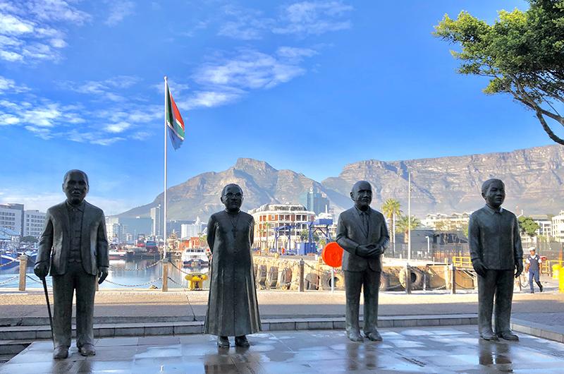 Cape Town - statue - thumbnails